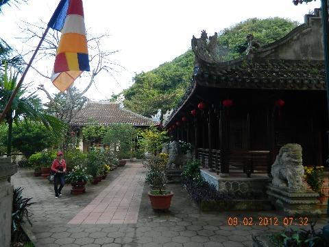 岘港Ngu Hanh Son顶上的Tam Thai Temple。