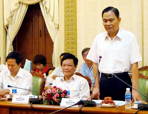 Bộ trưởng Bộ Nội vụ Nguyễn Thái Bình phát biểu tại buổi làm việc với UBND TP HCM. Ảnh: Tá Lâm.