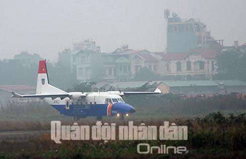 trưa 26-1, chiếc máy bay tuần tra biển CASA-212-400 thứ hai của lực lượng Cảnh sát biển Việt Nam đã hạ cánh xuống sân bay Trung đoàn Không quân 918 (Quân chủng Phòng không - Không quân).
