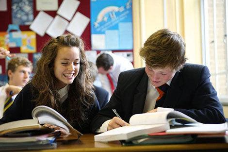 Học bổng 75% tổng chi phí tại Anh quốc