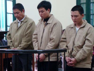 Các bị cáo tại tòa. Ảnh: Nam Anh