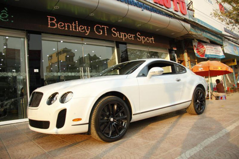 Bentley Continental Supersport tại Hà Nội.