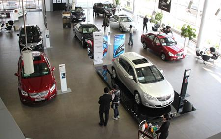 Ở Trung Quốc, Buick được xếp vào dòng xe hạng sang, thể hiện đẳng cấp. Khi tới mua, khách hàng được phục vụ đồ uống tận nơi.