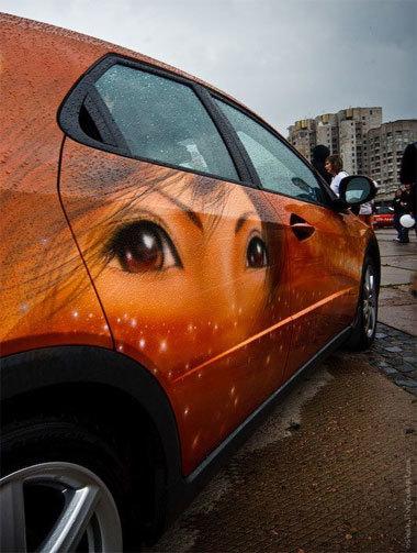 Những bức họa ấn tượng trên xe hơi