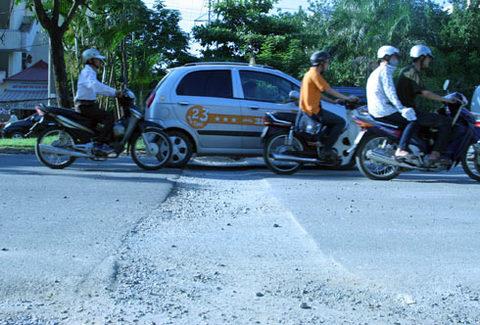 xe-duong2-1349154472_480x0.jpg