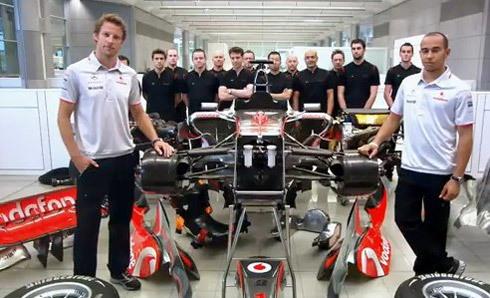 Jenson Button và Lewis Hamilton