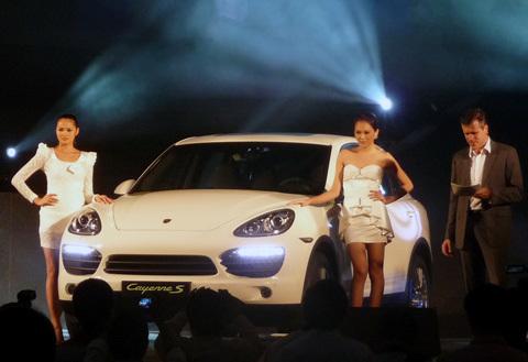 Porsche Cayenne 2011 hoàn toàn mới được giới thiệu tại Việt Nam.