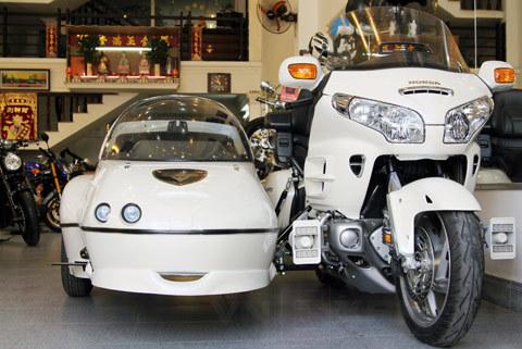 Honda Gold Wing Sidecar đầu tiên tại Sài Gòn - VnExpress