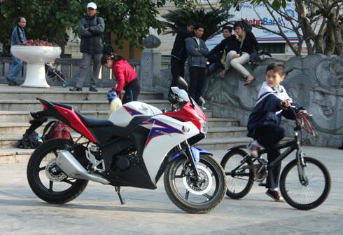 CBR150R 2011 đã có mặt tại Việt Nam. Ảnh: Quyền Anh.