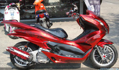 honda-pcx-16-1354297194_500x0.jpg