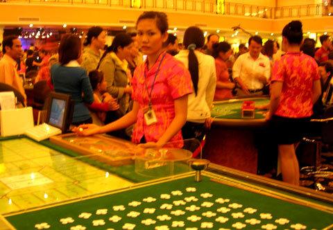 ben-trong-casino-1354292725_500x0.jpg