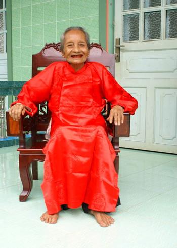 Bà Nguyễn Thị Trù. Ảnh: VIETBOOK.