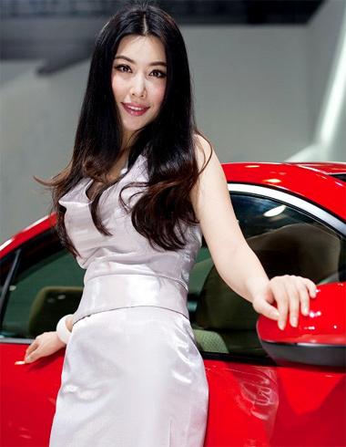 guangzhou-auto-show5-255444-1370420419_5