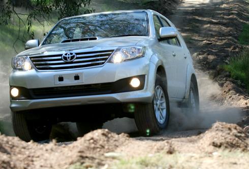 Toyota Fortuner bản 2012.