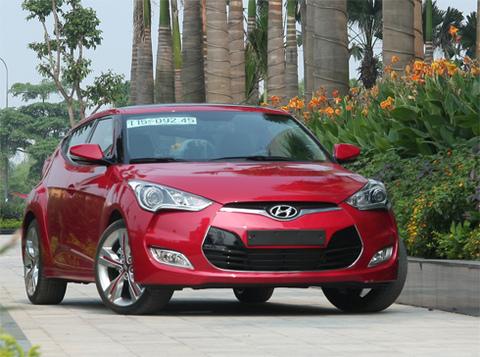 Hyundai Veloster thể hiện phong cách thiết kế hiện đại từ Hàn Quốc.