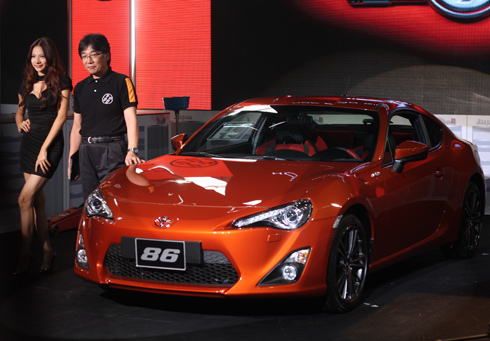 Toyota 86 ra mắt tại Hà Nội ngày 8/6.