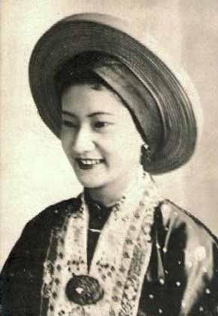 Hoàng hậu Nam Phương, ơợ của vua Bảo Đại là Hoàng hậu cuối cùng của triều đại phong kêến pvieetj Nam.