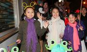 Trẻ em Việt rước đèn trên phố Đức