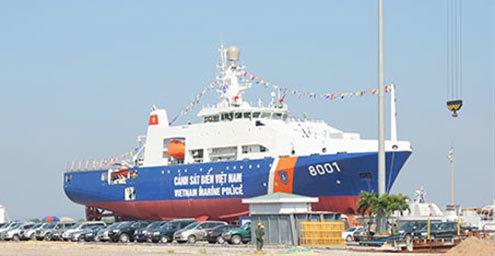 Tàu DN 2000 mang phiên hiệu CSB 8001 trước lễ hạ thủy.