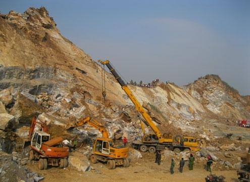 Hiện trường vụ sập mỏ đá Lèn Cờ. Ảnh: N.K