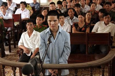 Nguyễn Hữu Điều tại phiên sơ thẩm. Ảnh: Pháp luật Việt Nam.