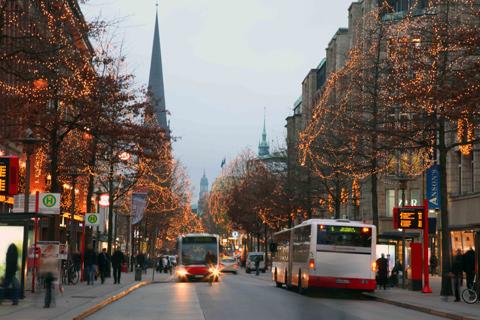Tôi sinh sống ở Berlin, lần đầu tiên có dịp đi hội chợ Giáng sinh Weihnachsmarkt ở Hamburg.