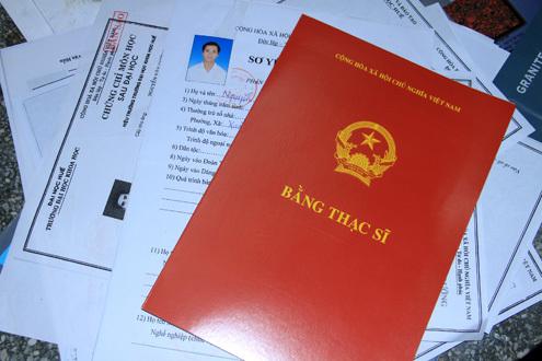 Theo anh Cương, nhiều thạc sĩ như anh hiện cũng đang thất nghiệp. Ảnh: Nguyễn Đông