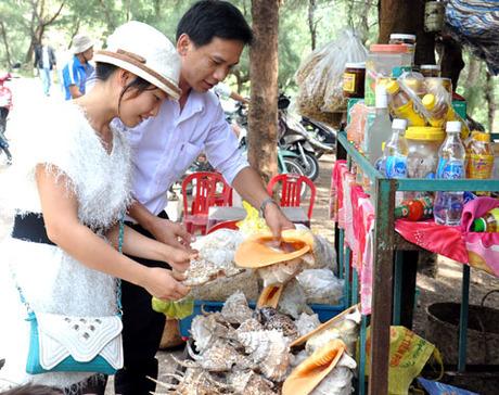 Du khách đổ đến đảo Lý Sơn dịp lễ - VnExpress Du lịch