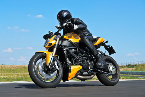 2013-Ducati-Streetfighter-848a-137213212