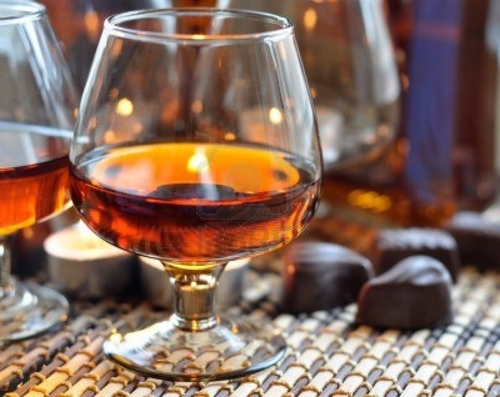 9209775-un-verre-de-cognac-sweet-et-une-