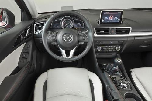 2014-mazda3-sedan-4-1372904172_500x0.jpg