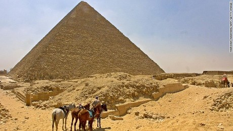 130705144634-great-pyramid-giza-horizont