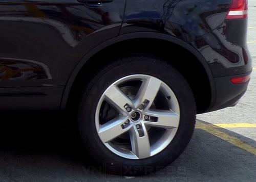 VW-Touareg-2013-8-1373365568_500x0.jpg