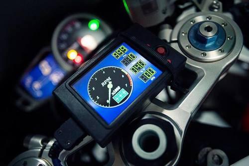 Triumph-Daytona-675-11.jpg