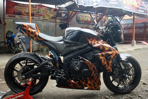 modifikasi-honda-cbr-1-1373430149_500x0.