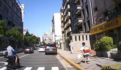 xe-6-1373594849_500x0.jpg