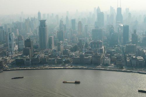 Sương mù bao phủ Thượng Hải (Ảnh: Korobanova Marina / Fotolia)