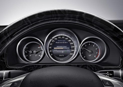 Mercedes-Benz-E-Class-2014-16.jpg