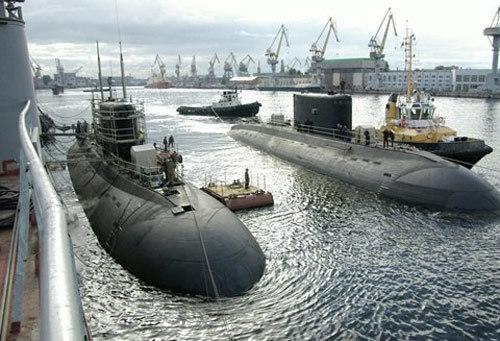 Tàu ngầm lớp 636 Kilo tại nhà máy. Ảnh:News.mail.ru