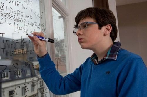Một thần đồng toán học khác, Jacob Barnet được chẩn đoán mắc bệnh tự kỷ cấp độ nặng khi mới 2 tuổi. Các bác sĩ nói rằng cậu sẽ không có khả năng nói, đọc, viết hay thậm chí không thể sống độc lập trong sinh hoạt hàng ngày suốt phần đời còn lại của mình. Thế nhưng chỉ một năm sau , Jacob chứng minh điều ngược lại khi cậu có khả năng đọc xuôi, đọc ngược bảng chữ cái từ A đến Z. Cùng năm này, Jacob gây shock với người thuyết trình trong một bảo tàng thiên văn học, khi cậu trả lời vanh vách nguyên nhân vì sao các mặt trăng xoay quanh sao hoả lại có hình dáng kỳ quặc. 10 tuổi, Jacob theo học tại Đại học Indiana-Purdue. Cậu quả quyết rằng một ngày nào đó, cậu sẽ bảo vệ thành công định luật bác bỏ thuyết tương đối của Einstein. Hiện Jacob đang tham gia làm nghiên cứu sinh chuyên ngành Vật lý lượng tử.