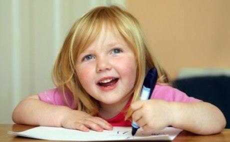 Saffron Pledger ra nhập tổ chức Mensa cách đây 2 năm, khi đó cô bé mới 3 tuổi.
