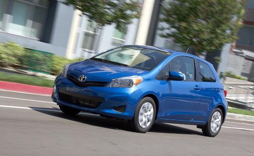2012-Toyota-Yaris-009-1375245170_500x0.j