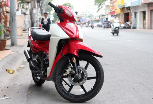 Suzuki-RGV-120-1_1375252476.jpg