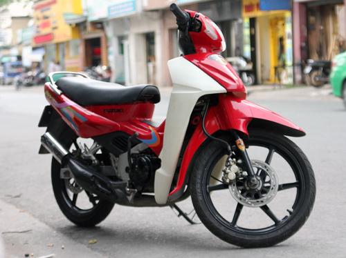 Suzuki-RGV-120-2_1375252476.jpg