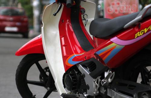 Suzuki-RGV-120-4_1375252476.jpg