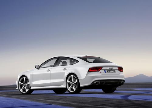 Audi RS7 có giá 105.000 USD