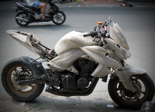 Kawasaki-Z1000-12-1376240484_500x0.jpg