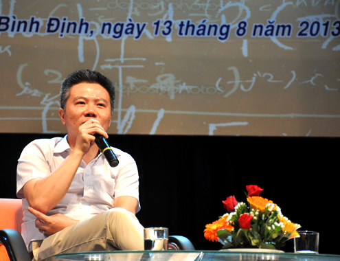 13-7-Anh-1-GS-Ngo-Bao-Chau-1376382171_50