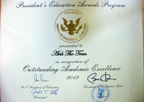 Xã hội - Nữ sinh Huế hai lần nhận bằng khen của tổng thống Mỹ (Hình 2).
