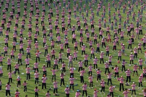 in-february-2013-4483-people-hula-hooped